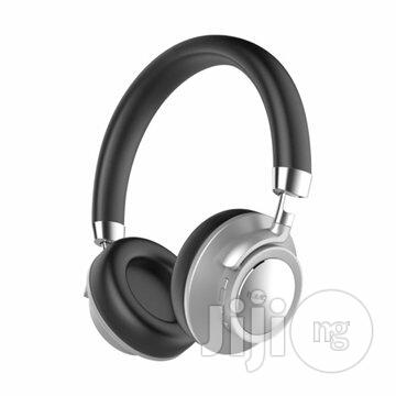 F9 Ultra-Comfortable Frosted Wireless Headphone