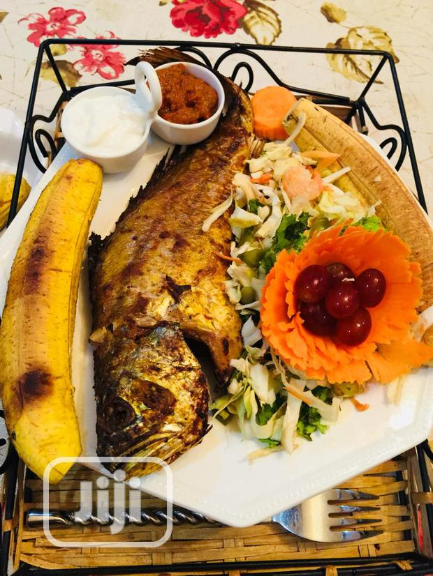 Boli And Barbecue Fish Or Chicken For Events
