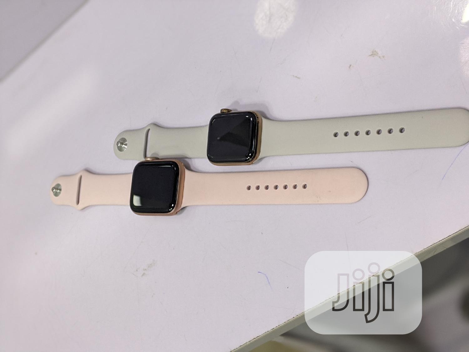 Apple Watch Series 5 44mm GPS Aluminium Case | Smart Watches & Trackers for sale in Ikeja, Lagos State, Nigeria