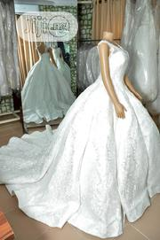 Wedding Dress for Rent With Veil, Basket, Tiara, Bouquet | Wedding Wear for sale in Lagos State, Magodo