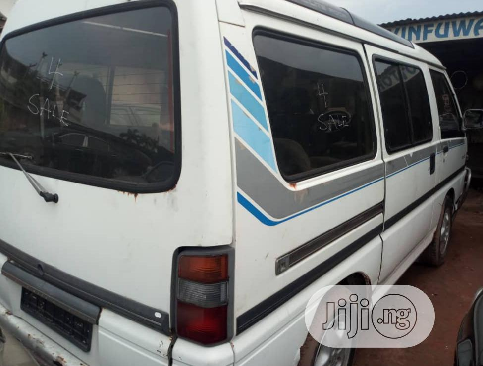 Hot Sale Mitsubishi L300 2000 White | Buses & Microbuses for sale in Ikeja, Lagos State, Nigeria