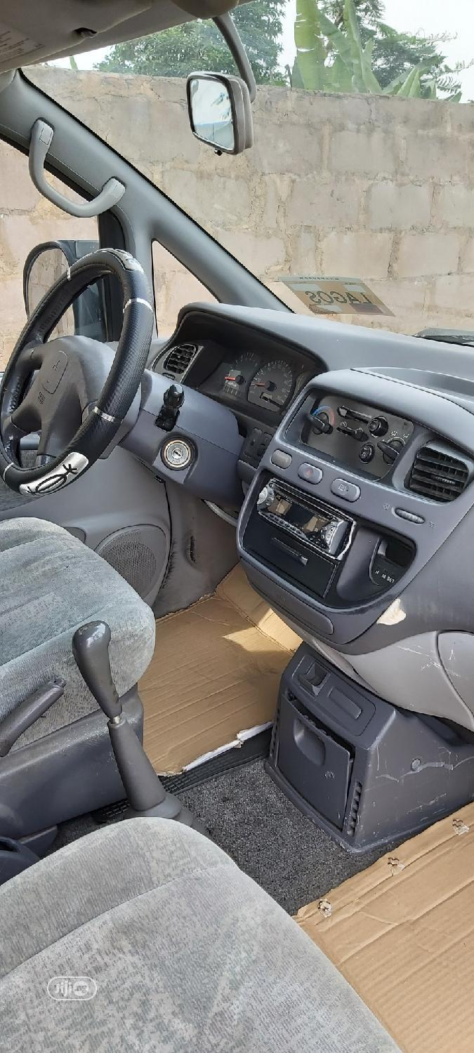 Mitsubishi L300 2004 Space Gear Silver | Buses & Microbuses for sale in Ikeja, Lagos State, Nigeria