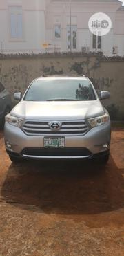 Toyota Highlander 2013 Plus 3.5L 4WD Silver | Cars for sale in Anambra State, Awka