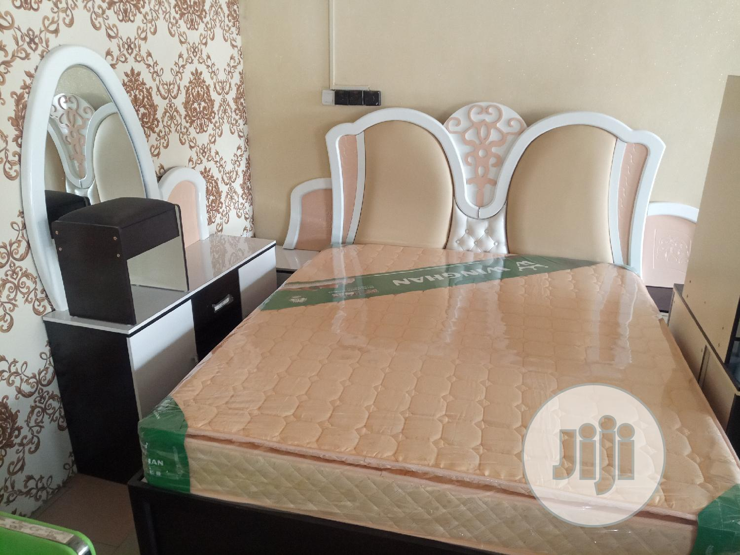 Quality Royal Bed + Dressing Mirror